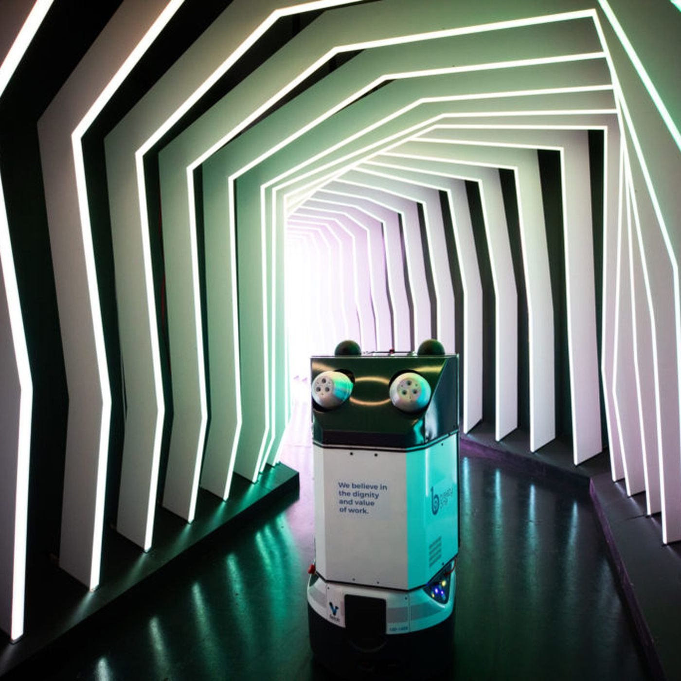 Advantages of Using UV Germ-Killing Robots at Workplace